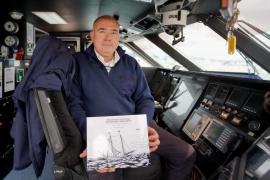 Xico Castelló Ferrer reúne la historia de los barcos pitiusos en un solo libro