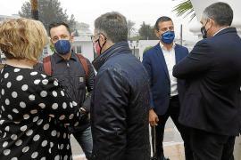 Ruiz dice ahora que hay abiertos expedientes urbanísticos en el puerto de Ibiza