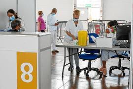 Salut da de alta a miles de funcionarios en mutuas del Estado para vacunarlos