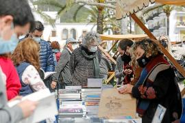 Santa Eulària se llena de gente y de literatura