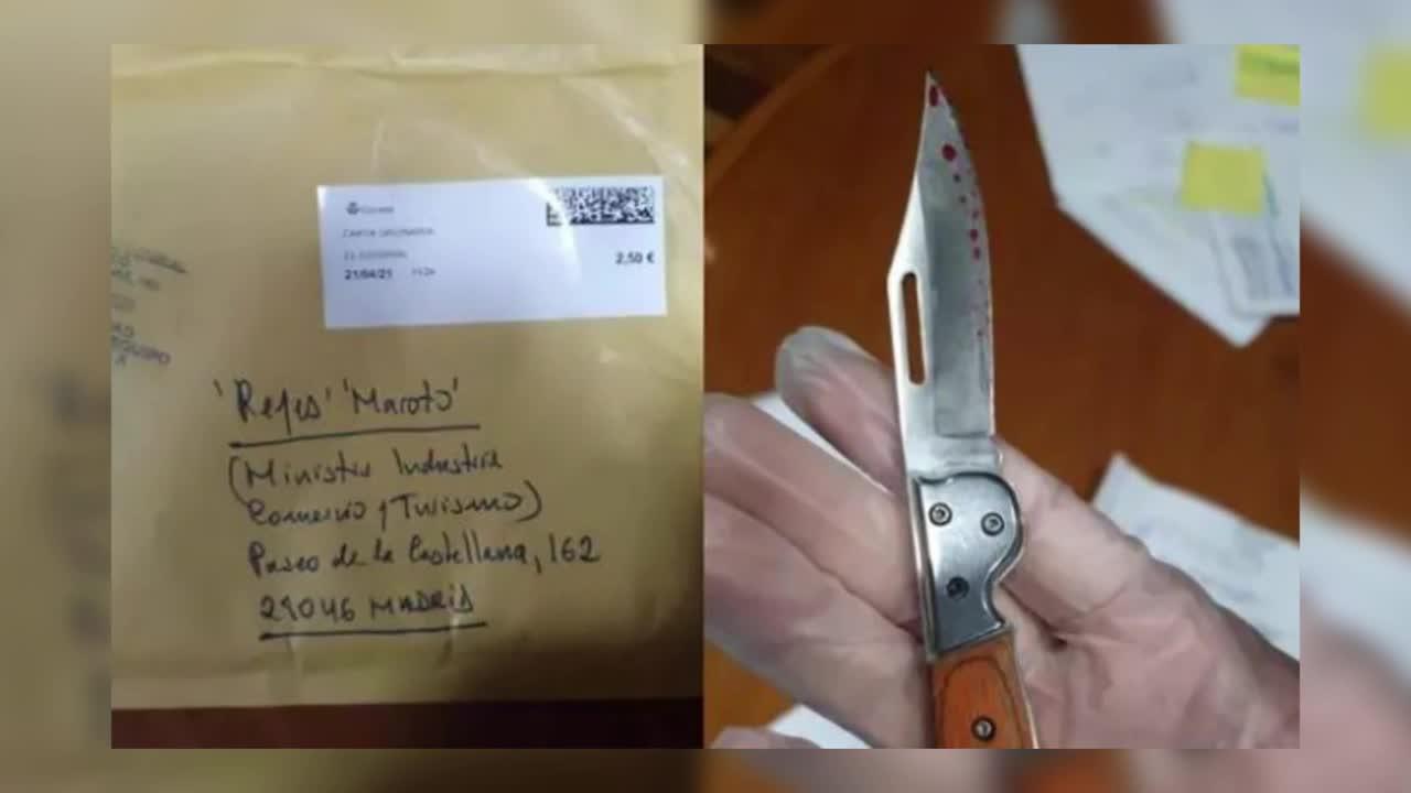 Reyes Maroto recibe un sobre con una navaja ensangrentada