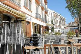 Vila no cobrará las terrazas a restaurantes y comercios durante este año