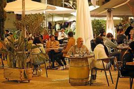 El mayor impacto de la autorización de servicio de cenas se nota en Vila