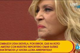 Lydia Lozano se marcha de 'Sálvame' llorando tras hablar de un compañero