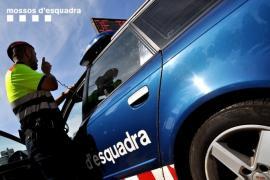 Un alumno agrede con arma blanca a su maestra en Girona