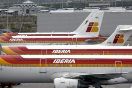 Los pilotos de Iberia, dispuestos a bajarse el sueldo hasta un 51%