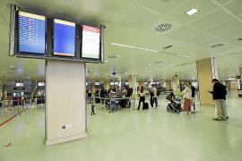 AENA restablece la luz y los sistemas esenciales del aeropuerto