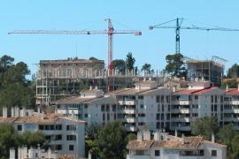 La escasez de obra nueva provoca que las Islas lideren el aumento del precio de la vivienda de segunda mano