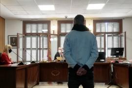Un año de cárcel por asaltar a una joven en la Puerta de San Antonio de Palma