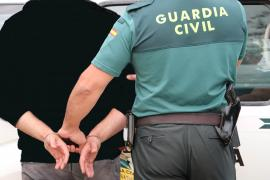 La Guardia Civil alerta de especialistas en estafas con relojes