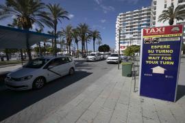 Sant Antoni elimina la «obligación de explotar personal o conjuntamente» el taxi