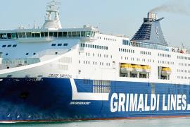 El precio del transporte marítimo caerá un 25 % por la pugna entre navieras