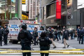 Al menos tres heridos, incluida una niña, en un tiroteo en Times Square