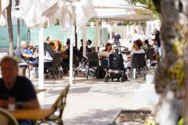 Las mejores imágenes de las terrazas de Ibiza en el final del estado de alarma. (Fotos: Marcelo Saste).