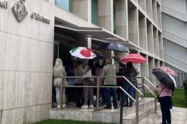 El PSOE denuncia el «vergonzoso» trato del Consell en la Oficina de Atención a la Ciudadanía cuando llueve