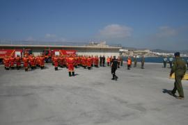 La UME realiza en Ibiza un ejercicio de instrucción de buceadores y de lucha contra incendios