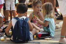 Vila aprueba la reducción del 50% del precio de las escuelas de verano para familias en paro o ERTE
