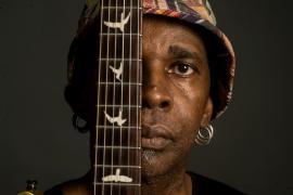 El guitarrista Vernon Reid.