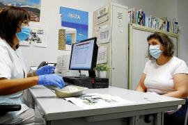 Los médicos de los centros de salud de Baleares verán entre 15 y 20 pacientes al día