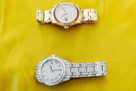 La Policía devuelve a sus dueños los dos valiosos Rolex robados en Nochebuena