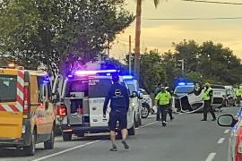 Una colisión entre dos coches acaba con un aparatoso vuelco en Santa Eulària