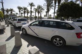 Transportes destinará 70.000 euros a una nueva línea de ayudas para dotar a los taxis de desfibriladores