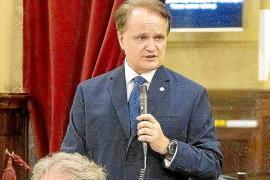 El Parlament reclama a Maxo Benanal 15.000 euros por dietas mal cobradas en 2020