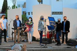 Santa Eulària homenajea a la enfermera Antonia Serra