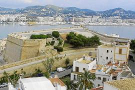Fallece un joven francés tras precipitarse desde el baluarte de Santa Llúcia
