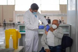 El recinto ferial bate su récord de vacunaciones en una jornada
