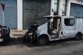 Imagen de la furgoneta abandonada en Son Cladera