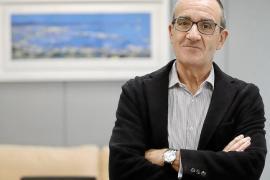 Oposición y hoteleros critican a Yllanes por querer limitar el turismo