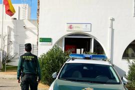 Detenido un joven con numerosos antecedentes por robos en vehículos y estafas con tarjetas en Ibiza