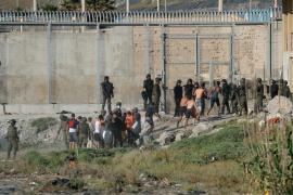 Marruecos cierra los accesos fronterizos e interrumpe el éxodo migratorio
