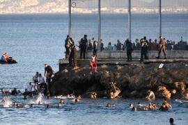 El cierre de la frontera a las entradas masivas alivia la presión en Ceuta