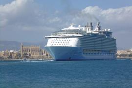 Negueruela se reúne en Fitur con la patronal de cruceros para avanzar en el reinicio de la actividad