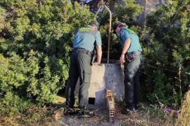 Rescatan a una mujer y a su gato tras caer a un pozo en Formentera