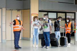 Los españoles ya pueden entrar en Ibiza sin test si están vacunados