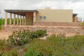 Formentera deberá revisar la licencia de la mansión del dueño de Ferrovial