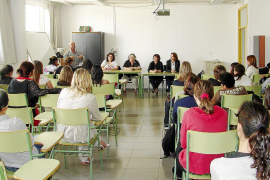 Vila imparte cursos de catalán sin contar con el Institut d'Estudis Eivissencs