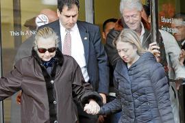 Hillary Clinton recibe el alta médica y deja el hospital en el que estaba ingresada