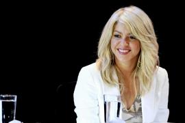 Shakira  toma asiento en 'La voz'