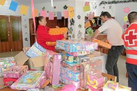 La sociedad pitiusa se vuelca con los juguetes de Cruz Roja