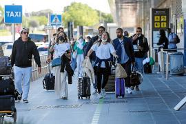 Ibiza registrará en junio cerca del 50 % de vuelos que operó en 2019