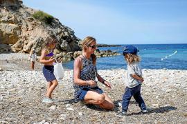 Voluntarios de la limpieza por todos los rincones de Ibiza