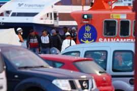 Interceptan una patera a la deriva con 16 personas cerca de Formentera