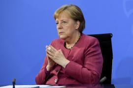 EEUU espió a Merkel y a otros políticos europeos con ayuda de Dinamarca, según varios medios