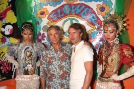 El famoso cantante James Blunt, asiduo de Ibiza