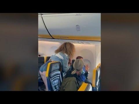 Bronca en un vuelo a Ibiza por una pasajera sin mascarilla