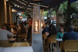 La restauración de Baleares pide abrir los interiores por la noche